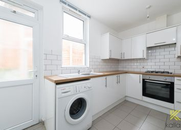 Thumbnail 2 bed flat to rent in Rockmount Road, London