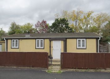 Thumbnail 3 bedroom mobile/park home for sale in Foxhall Manor Park, Basil Hill Road, Didcot, Oxfordshire