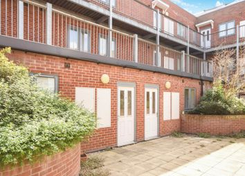 1 bed property to rent in Thompson Court, Broomfield Road, Essex CM1