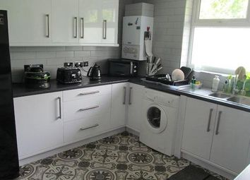 Thumbnail 4 bed flat to rent in Westferry, London