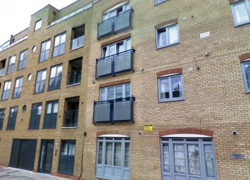 Thumbnail 3 bed flat to rent in Chicksand Street, London