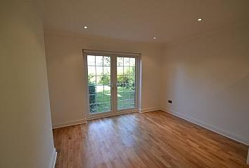 Thumbnail 1 bed flat to rent in Greenfield Gardens, London