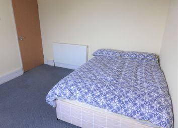 Thumbnail Room to rent in Castle Street, Cirencester