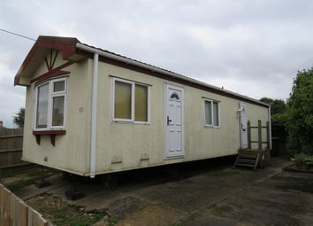 Thumbnail 2 bedroom mobile/park home for sale in Stopsley Mobile Home Park, St. Thomas's Road, Luton