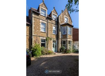3 bed flat to rent in Albury Road, Guildford GU1