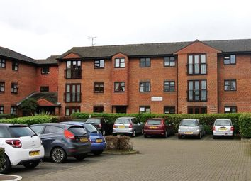 2 bed flat for sale in St. Georges Road, Addlestone KT15