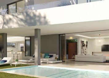 Thumbnail 4 bed villa for sale in Oasis 17, Estepona, Málaga, Andalusia, Spain