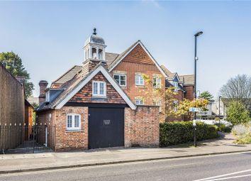 Hillcroft Court, Chaldon Road, Caterham, Surrey CR3. 2 bed flat
