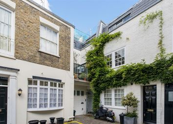 Thumbnail 4 bed mews house to rent in Queen's Gate Mews, London