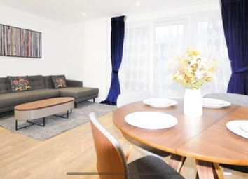 2 bed flat to rent in Wandsworth Road, London Lambeth SE8