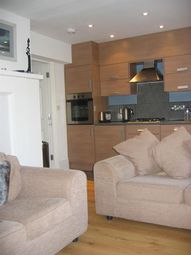 Thumbnail 2 bed flat to rent in Tilehurst Road, Reading