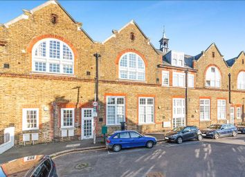 Thumbnail 2 bed flat for sale in Craven Gardens, London