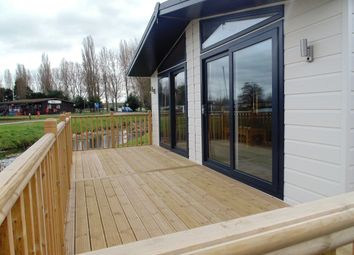 Thumbnail 2 bedroom mobile/park home for sale in Billing Aquadrome, Crow Lane, Great Billing, Northamton