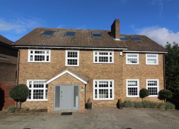 Thumbnail 6 bed property for sale in Greenacre Close, Barnet