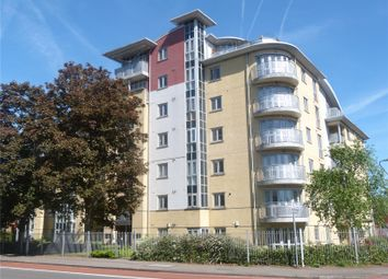 Thumbnail 2 bed flat for sale in The Pinnacle, Kings Road, Reading
