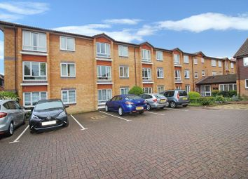 Thumbnail 1 bed flat for sale in Chesterton Court, Horsham