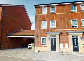 3 bed detached house for sale in Broadhurst Place, Basildon SS14