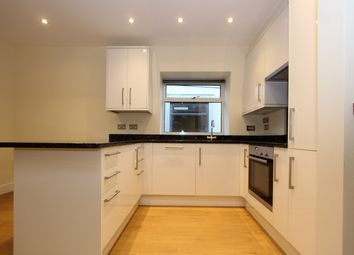 Thumbnail 1 bed mews house to rent in Fortis Green, London