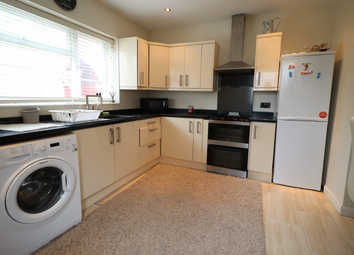 Thumbnail 2 bed detached house to rent in Third Avenue, Luton