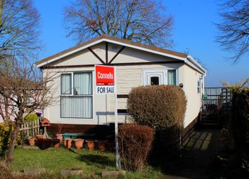 Thumbnail 2 bedroom mobile/park home for sale in Hillside Park, Limekiln Lane, Baldock