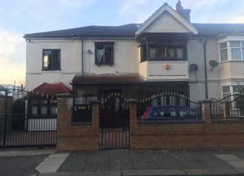 Thumbnail 1 bed flat to rent in St Andrews Road, London