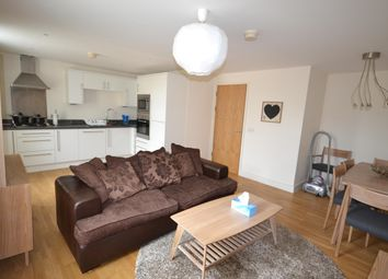 Thumbnail 2 bed flat to rent in Southgate Street, Bath