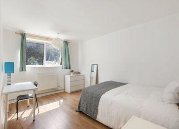 4 bed maisonette to rent in Dennett's Road, London SE14