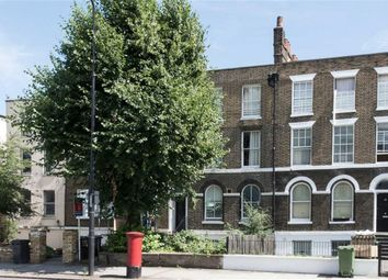 Thumbnail Studio to rent in Clapham Road, Oval