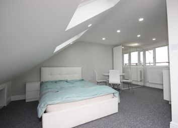 Thumbnail Room to rent in London Road, Chadwell Heath, Romford