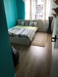 Thumbnail Room to rent in Renbold House, Greenwich