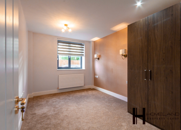 Thumbnail 2 bedroom flat to rent in Lancaster Road, East Barnet, London