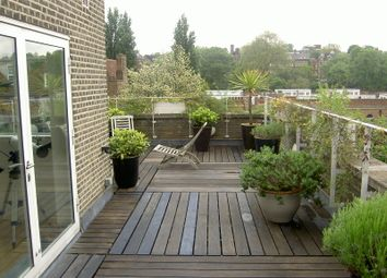 Thumbnail 5 bed detached house to rent in Frognal Close, London