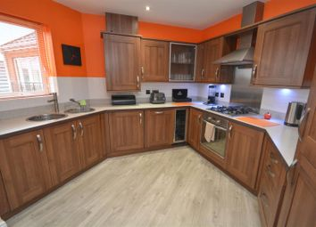 2 bed flat for sale in Radcliffe Road, Gamston, Nottingham NG2