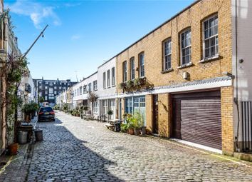 3 bed mews house to rent in Radnor Mews, Hyde Park Estate, London W2