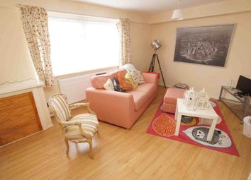 Thumbnail 1 bed flat to rent in Croydon Road, London