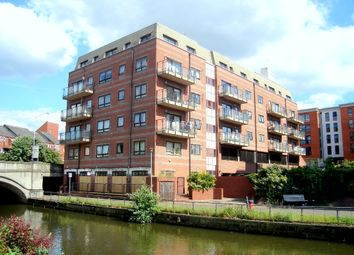 Thumbnail 2 bedroom flat to rent in Royal Court, Kings Road, Reading, Berkshire RG1, Reading,