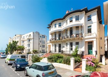 Riviera Court, 13-15 Lansdowne Place, Hove, East Sussex BN3. 1 bed flat for sale