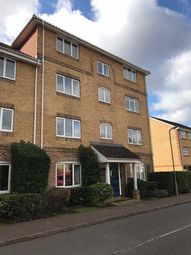 Thumbnail 2 bed flat to rent in Kingfisher Drive, Hemel Hempstead