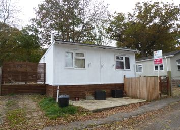 Thumbnail 3 bedroom mobile/park home for sale in Sycamore Crescent, Radley, Abingdon