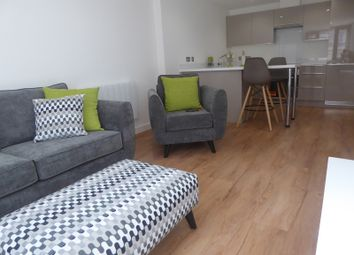 Thumbnail 1 bed flat to rent in Tamar House, Station Road, Reading