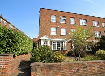 Uxbridge Road, Kingston Upon Thames KT1. 3 bed town house