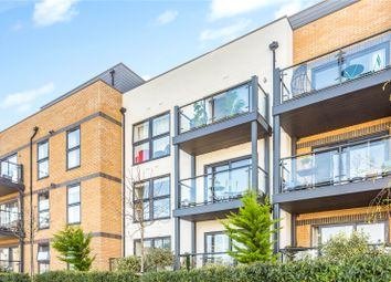 Cricketers Wharf, Wharf Road, Guildford, Surrey GU1. 2 bed flat for sale