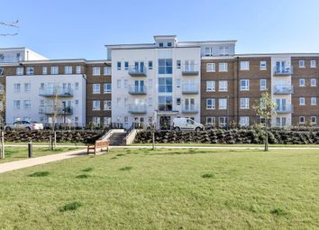 Thumbnail 2 bed flat to rent in Heathland Court, Maidenhead