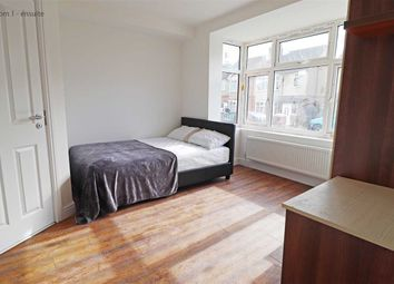 Thumbnail Room to rent in Rutland Crescent, Luton