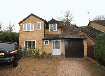 Thumbnail 4 bed detached house to rent in Willowside, Woodley, Reading