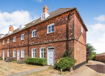 3 bed town house for sale in Viewpoint Mews, Shipmeadow, Beccles NR34