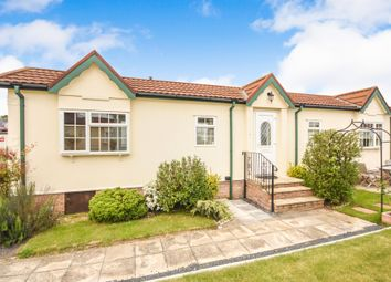 Thumbnail Mobile/park home for sale in Tower Park, Hullbridge, Hockley