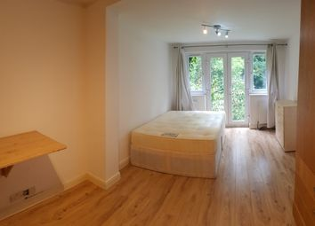 Thumbnail Studio to rent in 28 Glebe Crescent, London