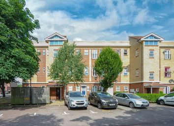 Thumbnail 2 bed flat to rent in Bedwell Crescent, Stevenage