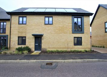 Thumbnail 2 bed flat for sale in Goodwood Crescent, Crowthorne